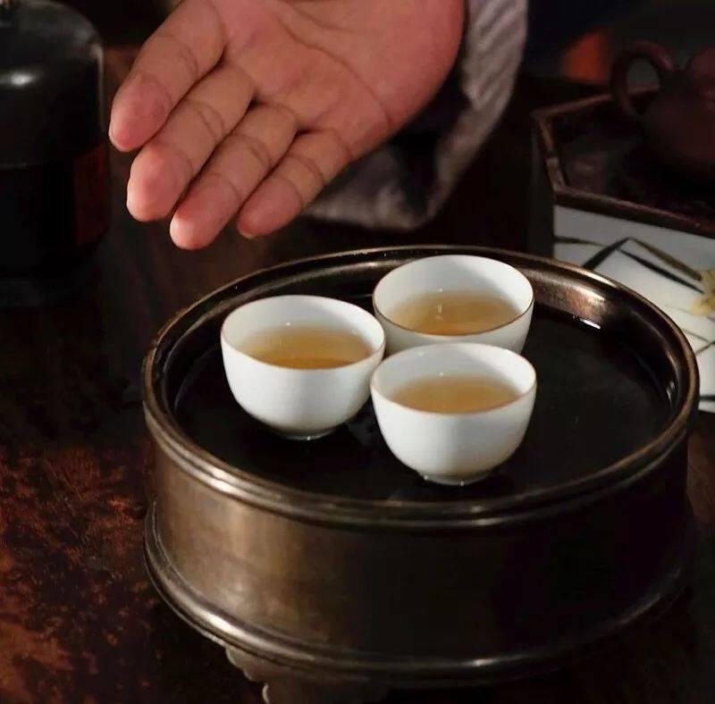 """陈再粦老师的工夫茶二十一式之""""敬请品茗"""""""