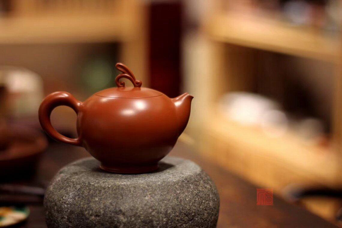 章燕城《清趣壶》